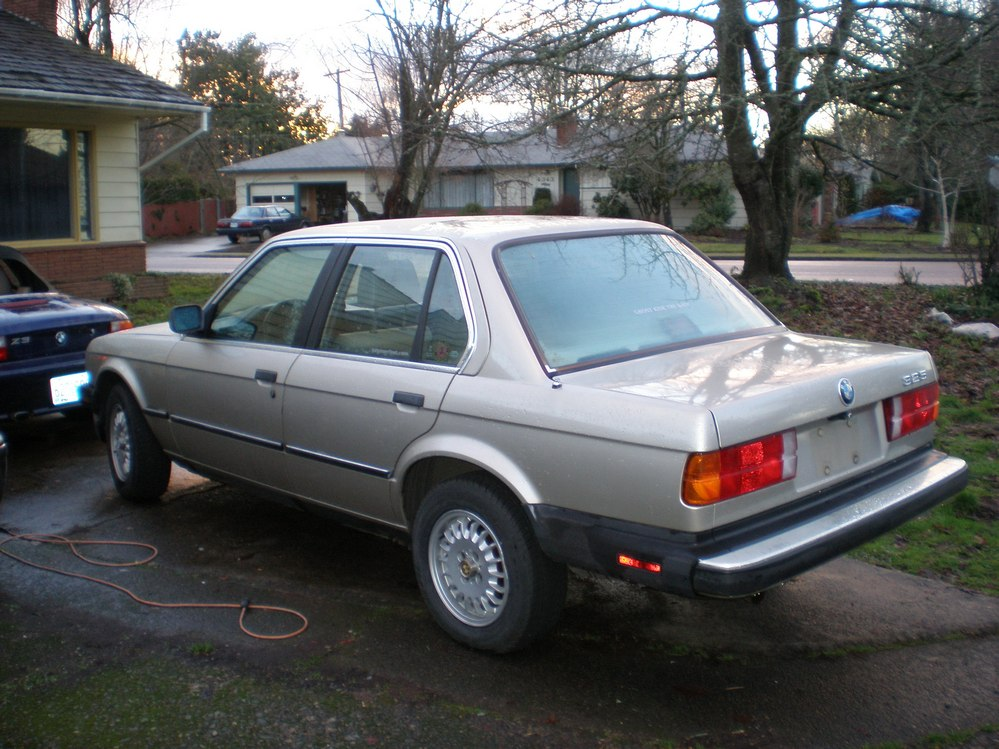 BMW 3-series 1986 photo - 6