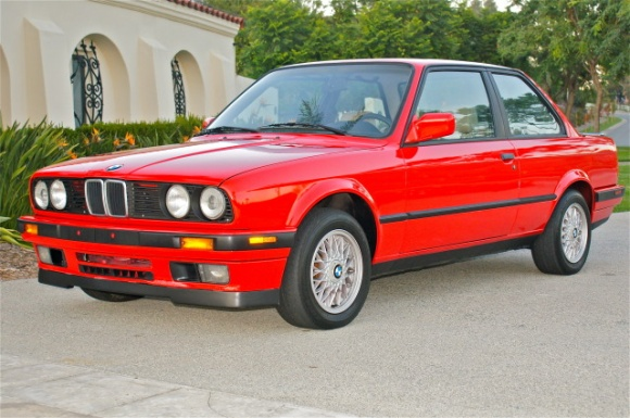 BMW 318iS 1990 photo - 3