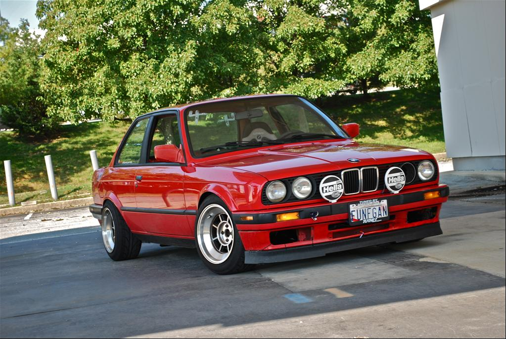 BMW 318iS 1991 photo - 2