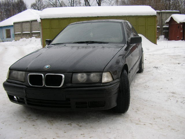 BMW 318iS 1992 photo - 3