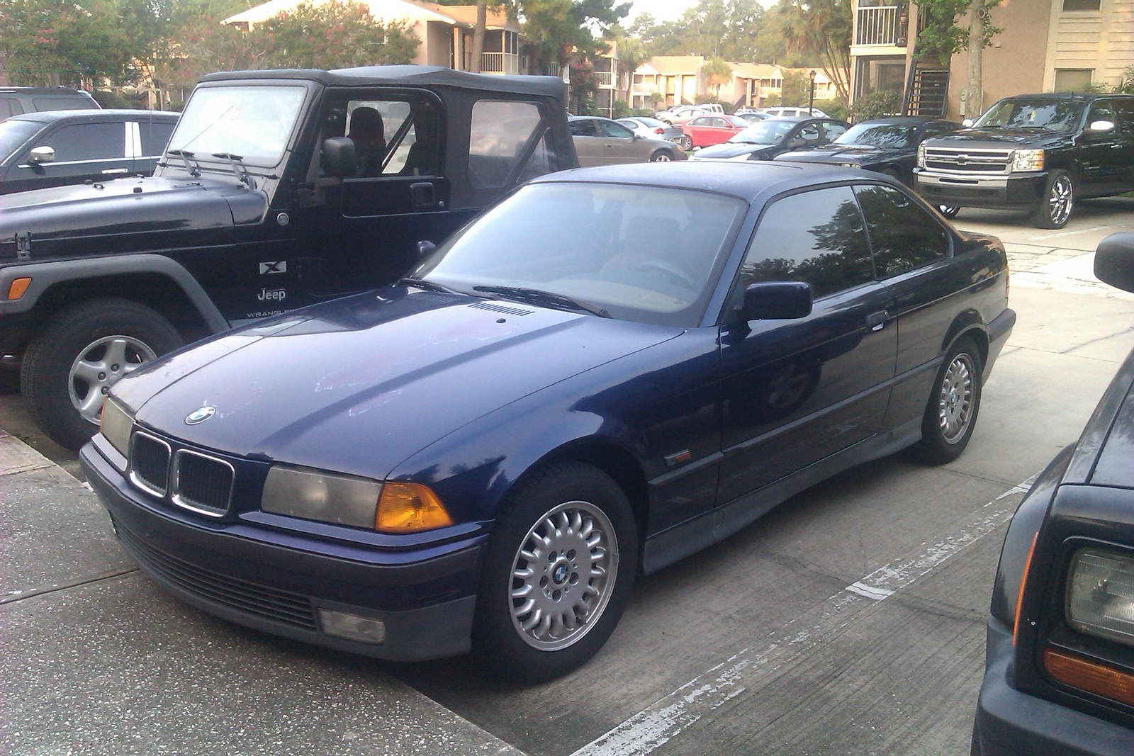 BMW 318iS 1994 photo - 1