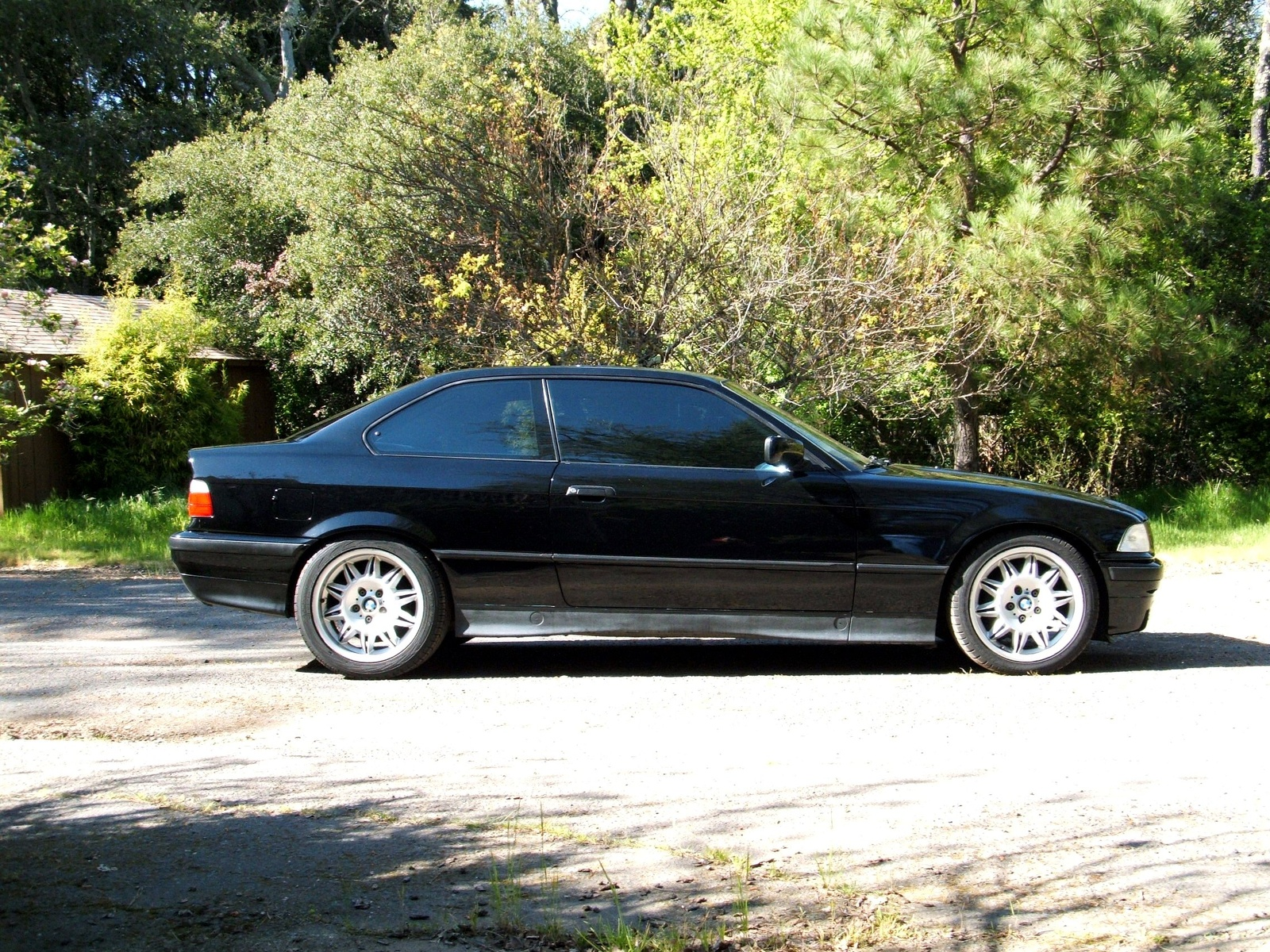 BMW 318iS 1994 photo - 5