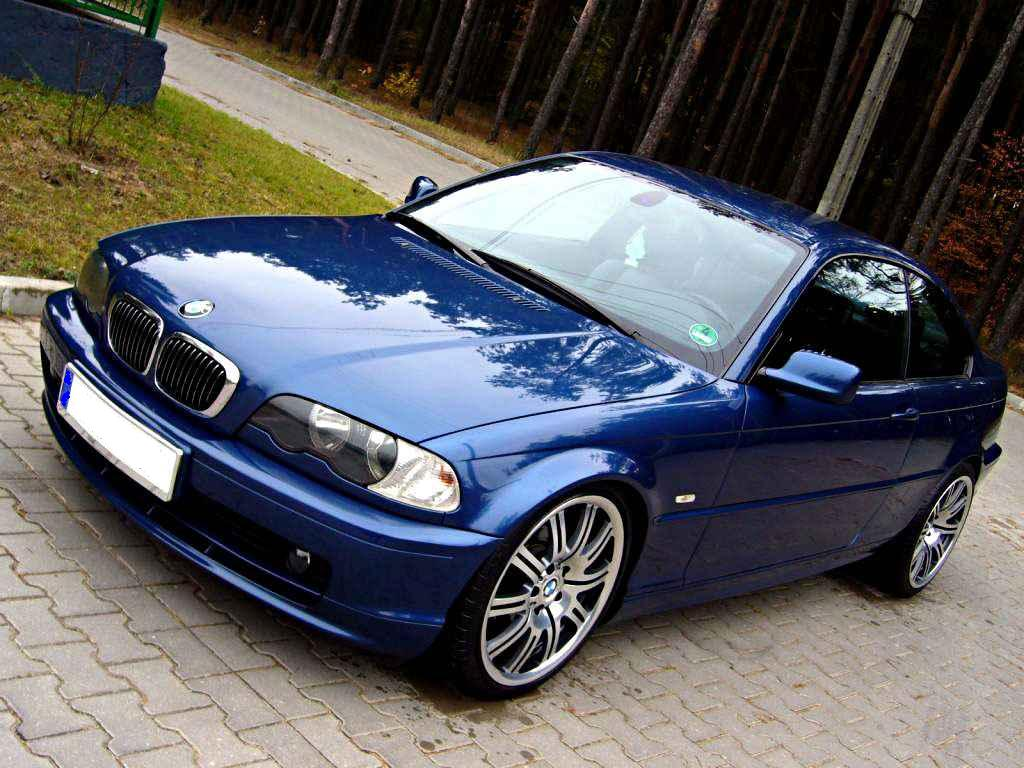 BMW 318iS 1998 photo - 4