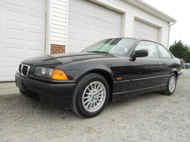 BMW 323iS 1998 photo - 7