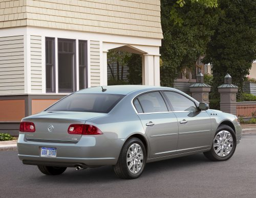 Buick Lucerne 2010 photo - 2