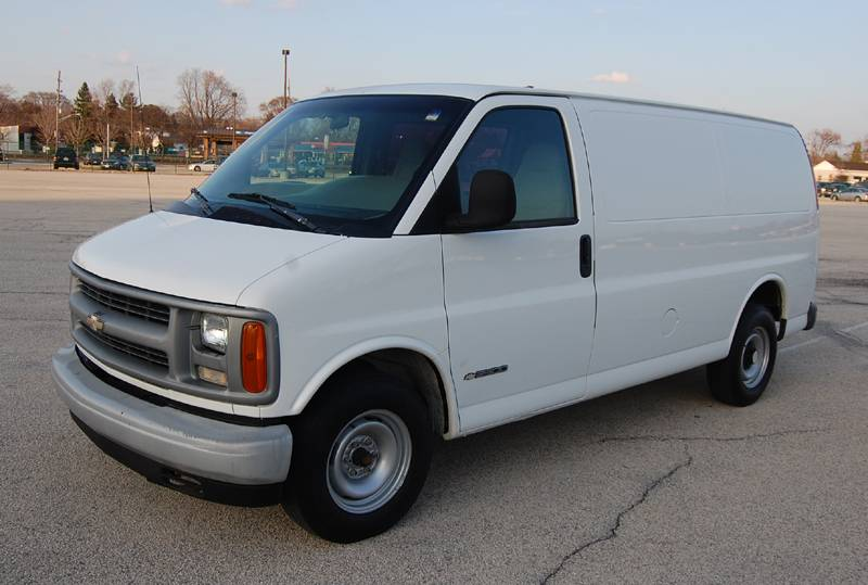 Chevrolet express 1999 photo - 1