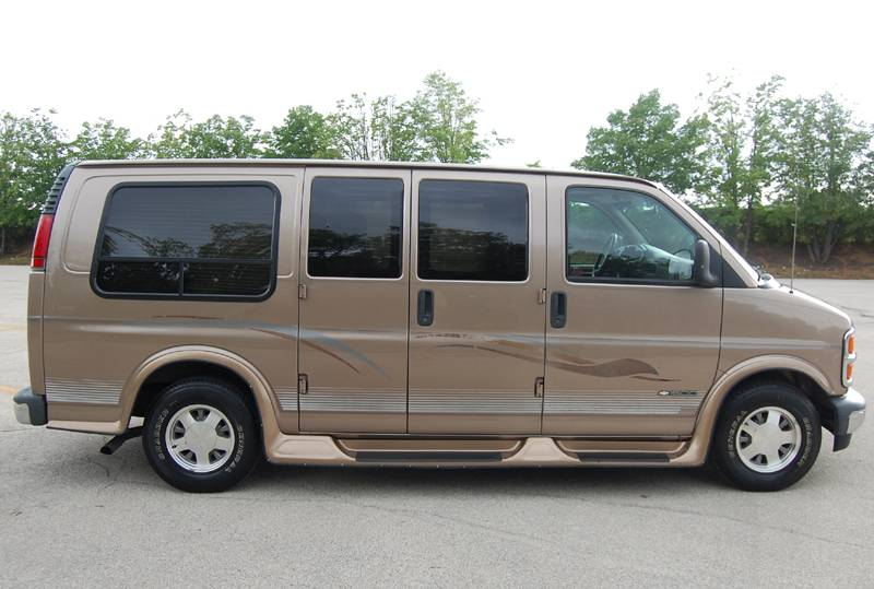 Chevrolet express 1999 photo - 2