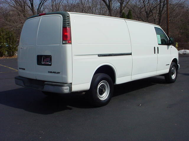 Chevrolet Express 2002 photo - 4