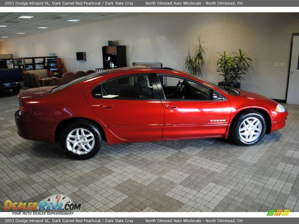 Dodge Intrepid 2001 photo - 3
