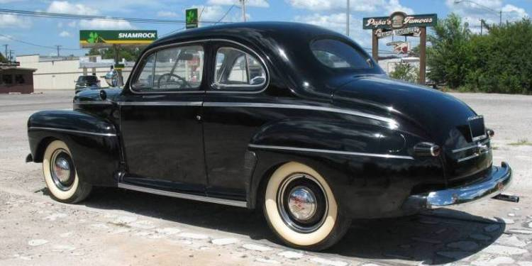Ford deluxe 1946 photo - 5