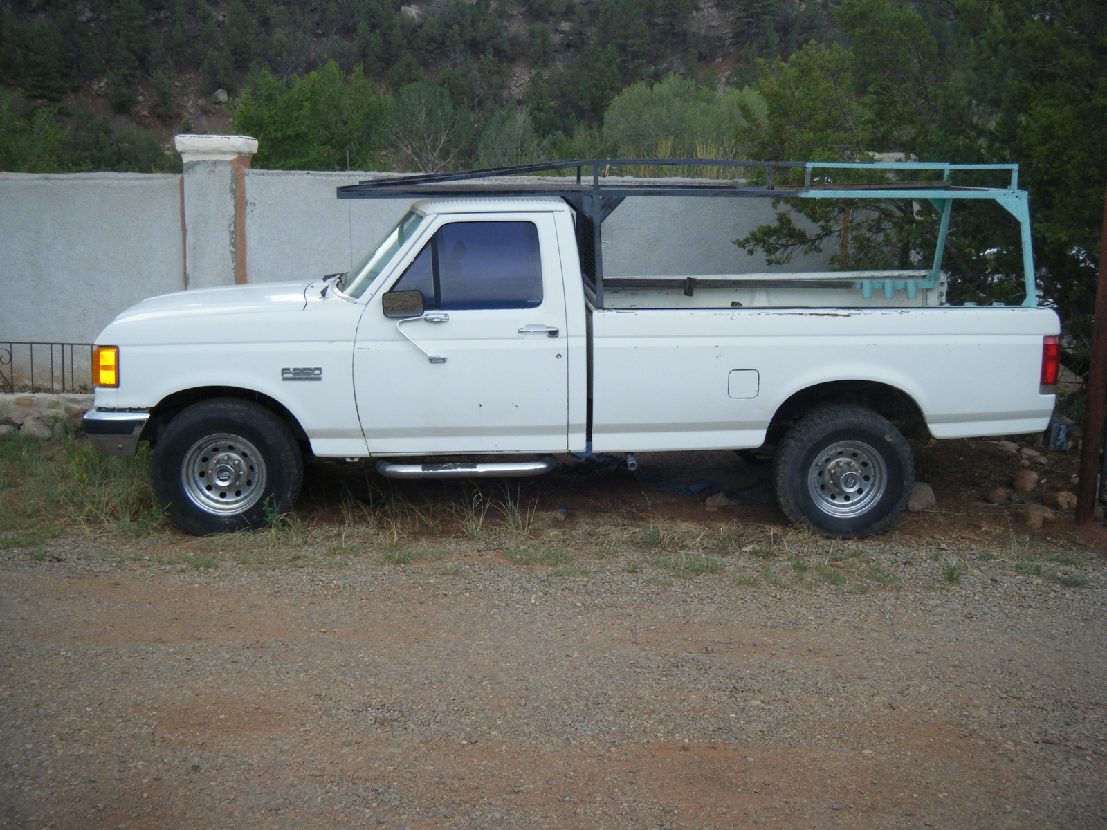 Ford f-250 1987 photo - 2