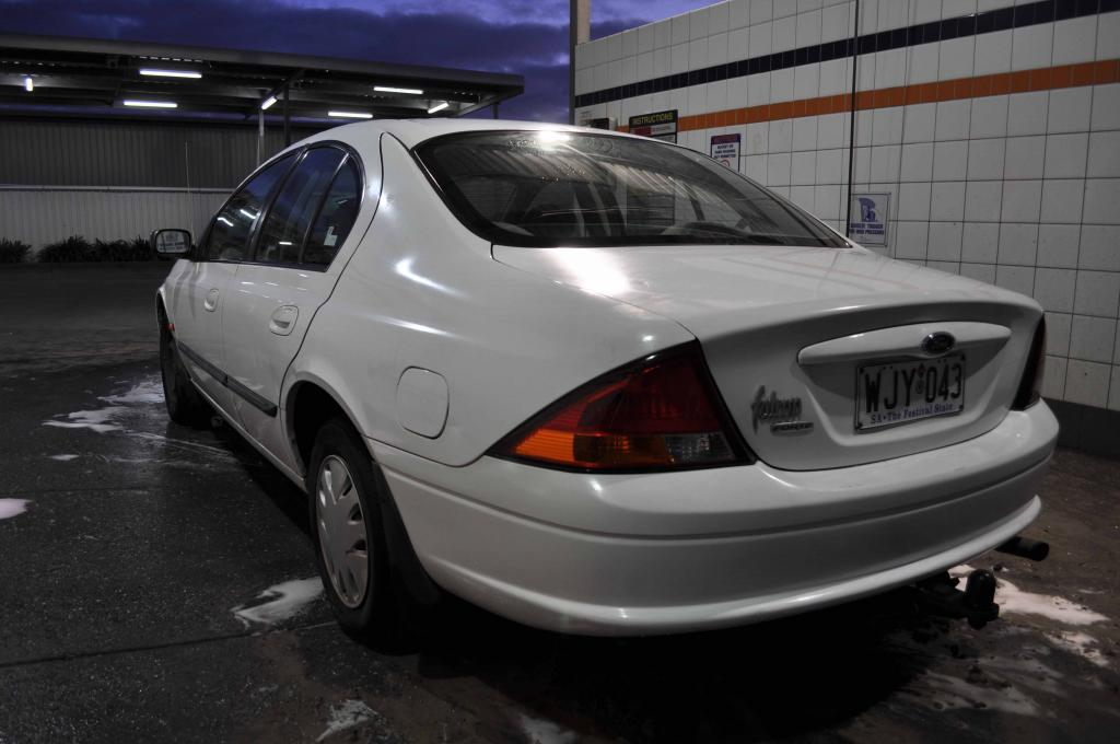 Ford Falcon 2000 photo - 5