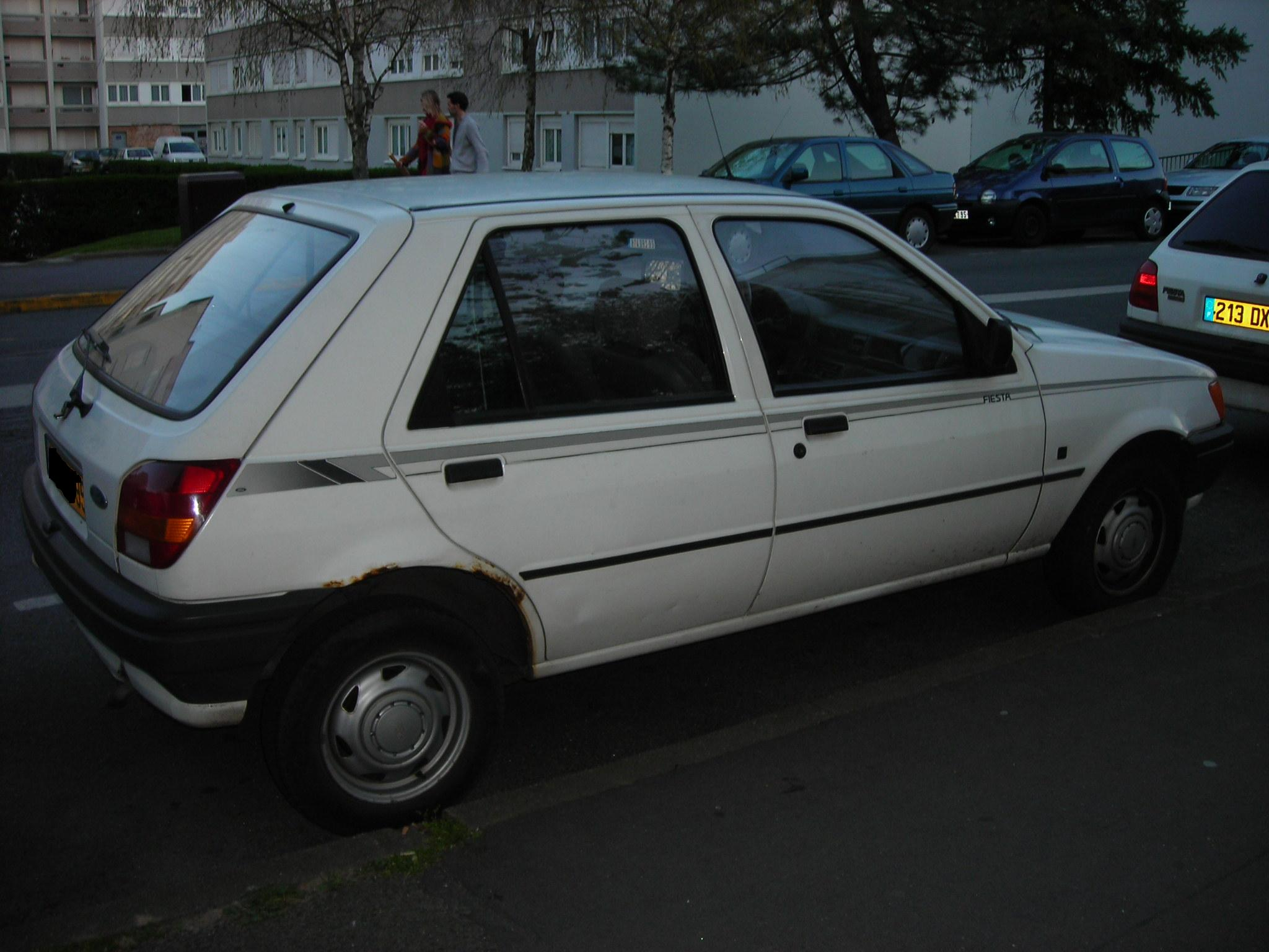 Ford fiesta 1988 photo - 5