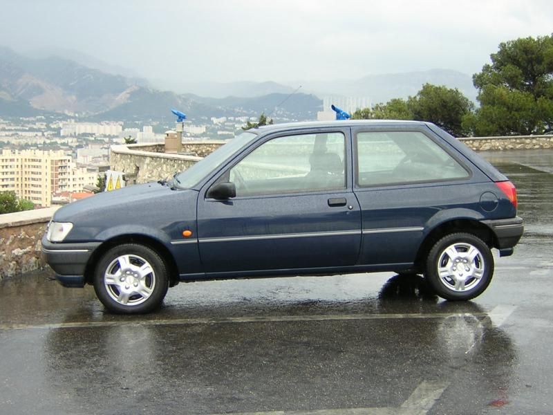Ford fiesta 1994 photo - 1