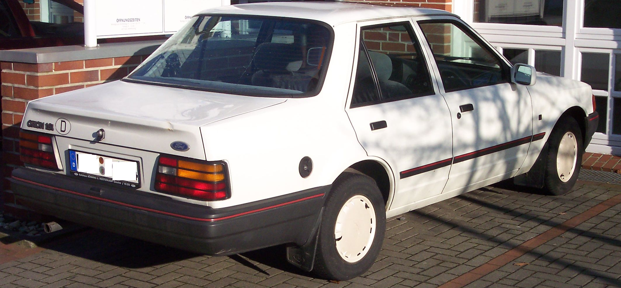 Ford Orion 1984 photo - 5