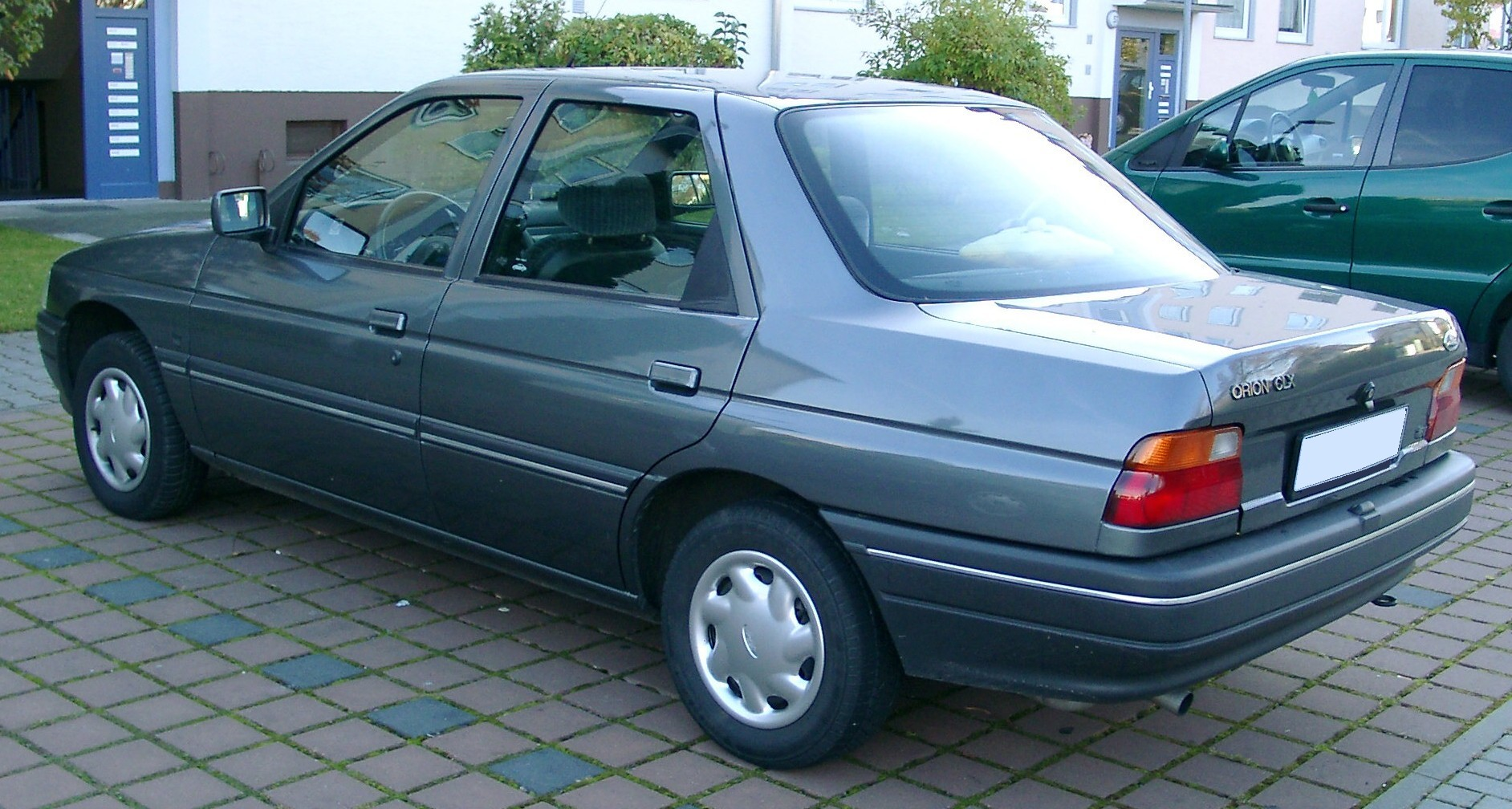 Ford Orion 1994 photo - 9