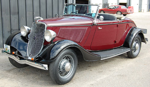 Ford Roadster 1933 photo - 1
