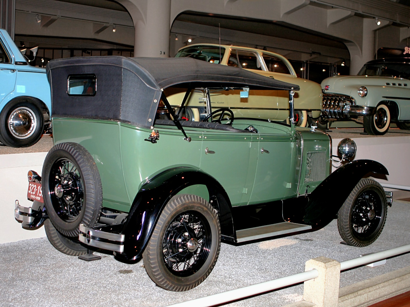 Ford T 1930 photo - 3