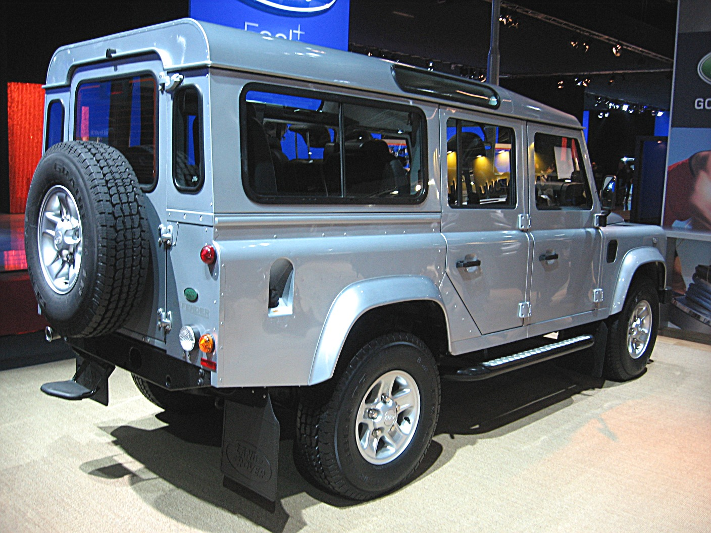 Land rover defender 1984 photo - 2