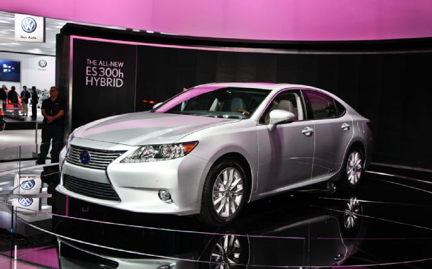 Lexus ES 2014 photo - 5