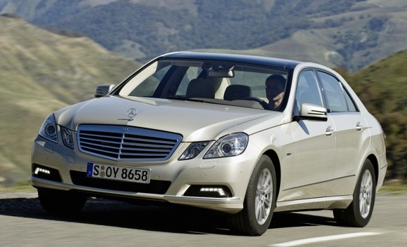 Mercedes-benz E200 2010 photo - 1