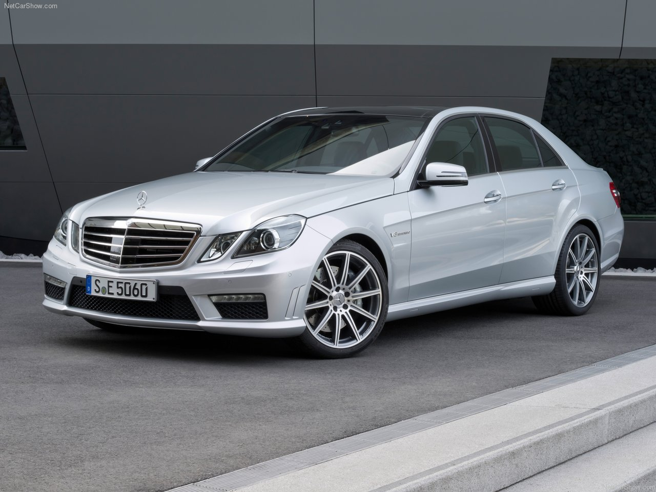Mercedes-benz E200 2010 photo - 3