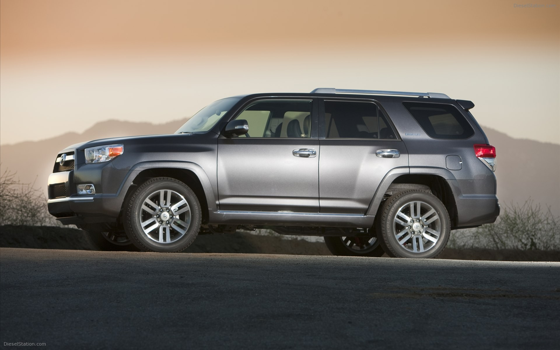 Toyota 4Runner 2012 photo - 6