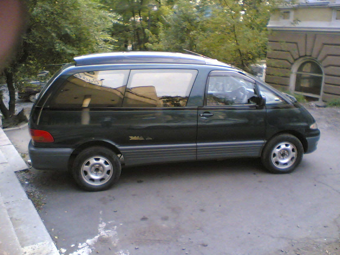 Toyota Estima 1994 photo - 5