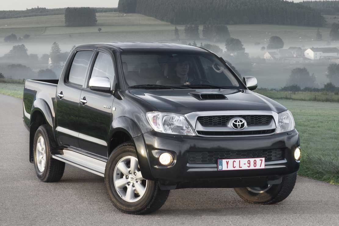 Toyota Hilux 2004 photo - 4