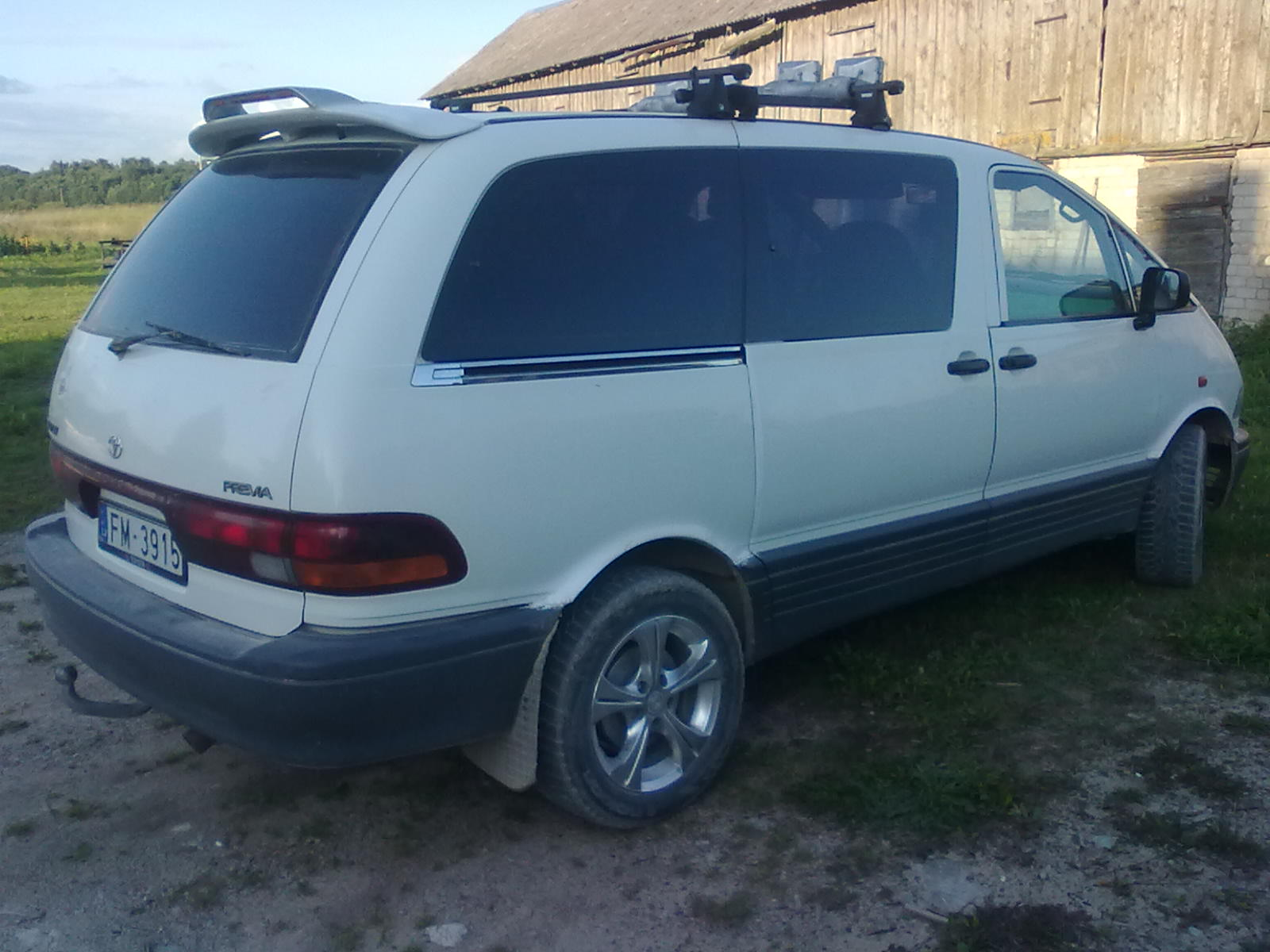 Toyota previa 1994 photo - 1