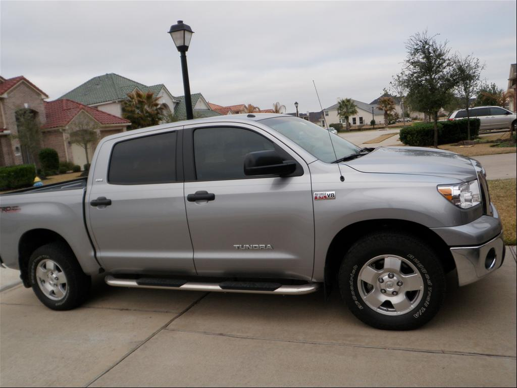 Toyota Tundra 2010 photo - 2