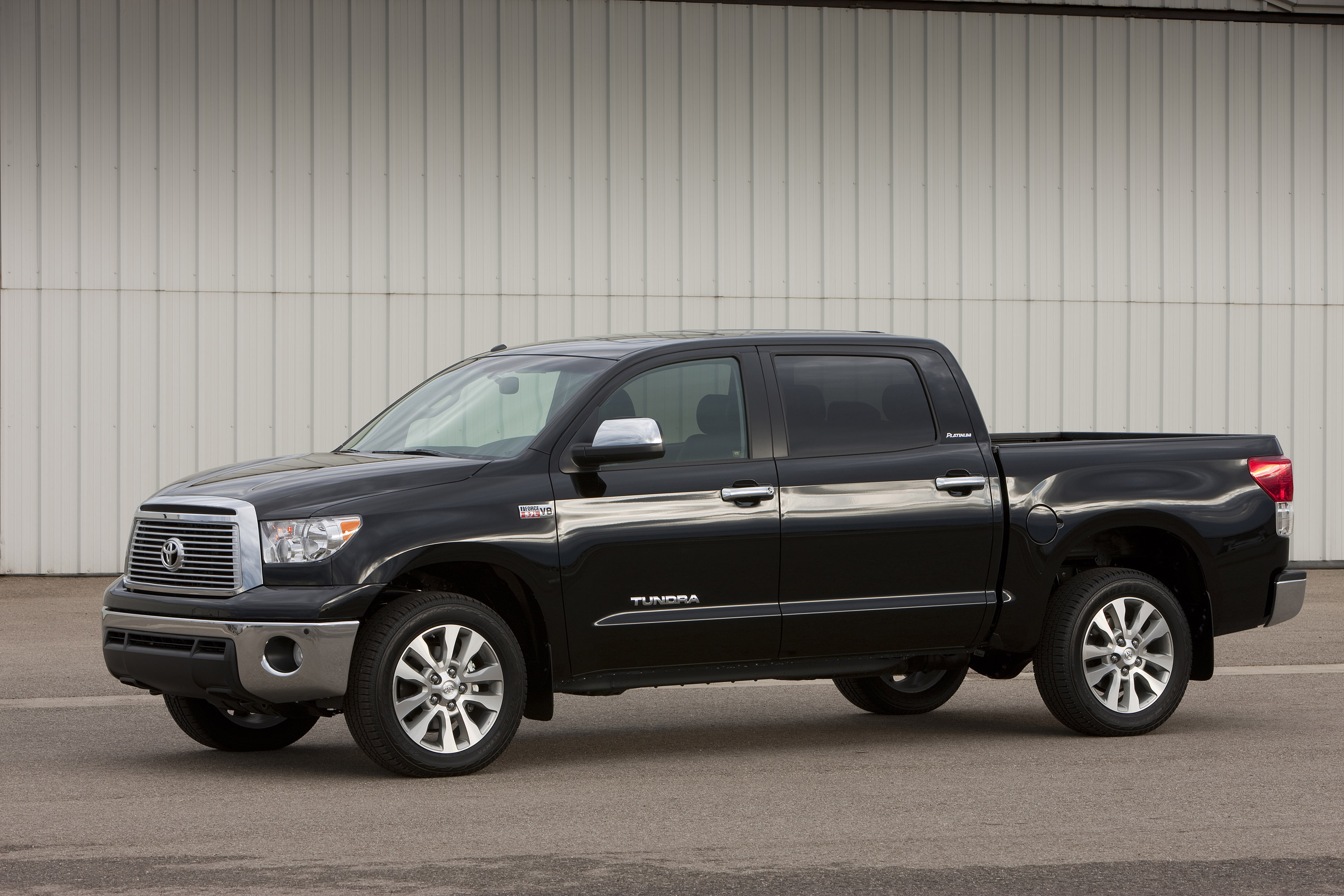 Toyota Tundra 2010 photo - 3
