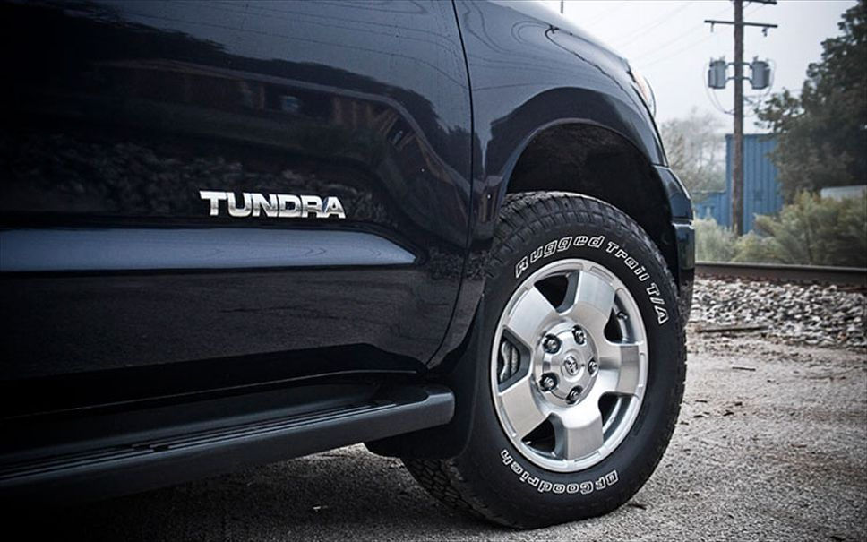 Toyota Tundra 2010 photo - 4