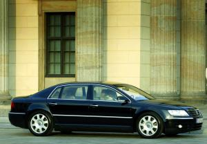 Volkswagen Phaeton 2003 photo - 3